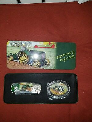 John Deere collectors set of pocket  knife and belt  buckle