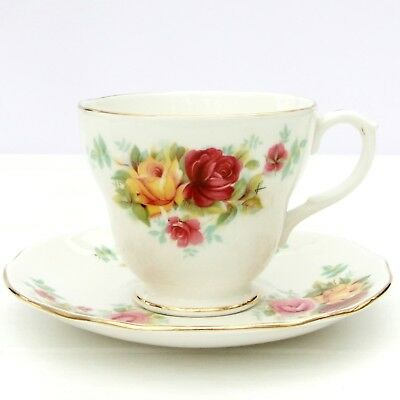 Vintage Duchess Country Roses 378 Bone China Floral Tea Set 4 Cups Saucers