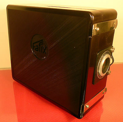 FAFIX 35mm BAKELITE SLIDE PROJECTOR BY JOHNSONS OF HENDON, MADE IN GERMANY 1950s