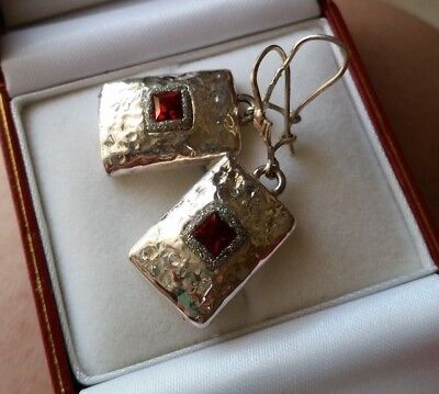 Solid 925 STERLING SILVER earrings with red crystal