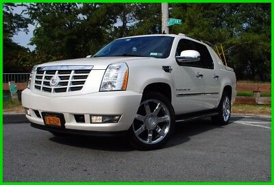 2008 Cadillac Escalade  MUST SEE EXT Navigation Pearl White 58,855 miles 6.2L V8 AWD Truck Avalanche