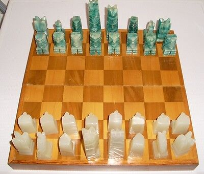 Vintage onyx chess set complete set in wooden box game board