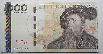 SWEDEN: 1000 Kronor banknote since 2006 in XF Condition Serial: 529554191. SEK