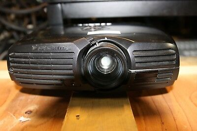 F20 SX+ 3300 lumens ,BID ON BARCO HD20 & FLM R20+ starting very low auction.