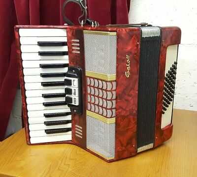 Stunning red Vintage Gelotte 26 Keys & 48 Buttons, Piano Accordian