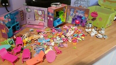 polly pockets in case with a salon