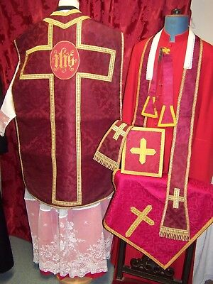 """CHASUBLE ROUGE COMPLETE + """"IHS"""" en Broderie - MESSE / Calice / Prêtre / étole"""