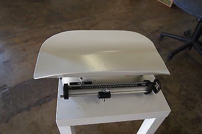 Seca Mechanical Baby Scale W/ Sliding Weights