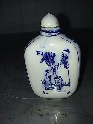 China Whiter and Blue Porcelain Flat snuff bottle