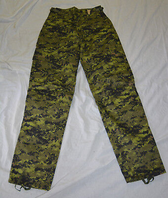 New digital camo combat pants size small (#bte75)