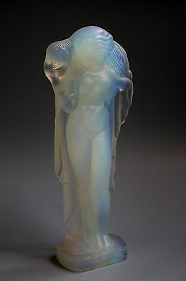 "An Art Deco Sabino Opalescent Glass "" Lady And The Lamb "" Figure"