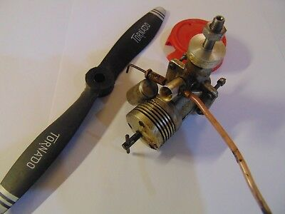 VINTAGE Model Aircraft Engine + Prop #1 SEE PICTURES Whats It Worth No Reserve