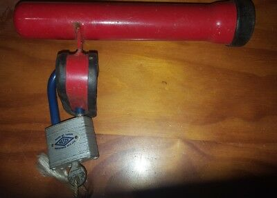 Staput steering lock with Nasco padlock with key