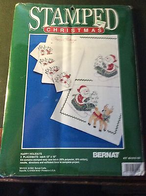 "Stamped Christmas ""Happy Holidays"" 2 placemats kit by Bernat."