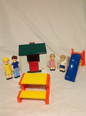 Little Tykes Play House with dolls