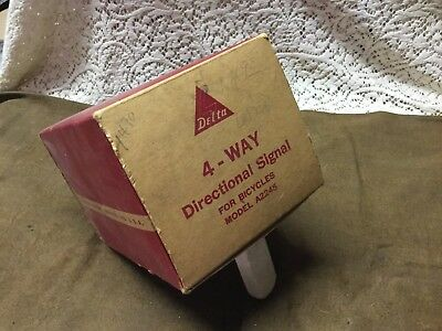 Vintage w/ Org. Box.  DELTA 4-WAY DIRECTIONAL SIGNAL FOR BICYCLES MODEL A2245