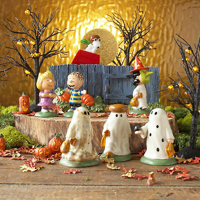 NEW Dept 56 Peanuts Halloween 7 pc set The Great Pumpkin Is Coming Charlie Brown