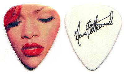 RIHANNA Guitar Pick : 2011 Tour Nuno Bettencourt signature Extreme