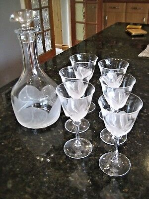 JG Durand 'Florence Satine' 6 x white wine glasses and decanter.
