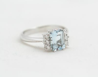 Ring Aquamarine and diamonds