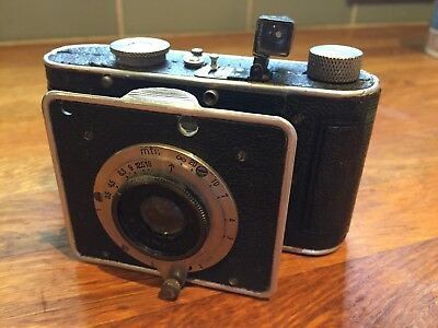 Foth Derby Anastigmatic Camera with case functional mechanism and self timer