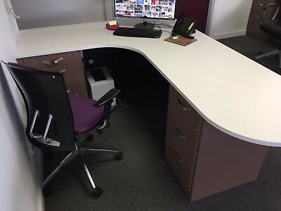Free Standing / Fitted Reception desk Ideal for Dental / Health / Cosmetic