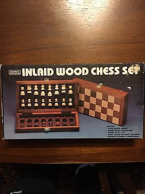VINTAGE! 1983 Game Design Inlaid Wood Travel Chess Set