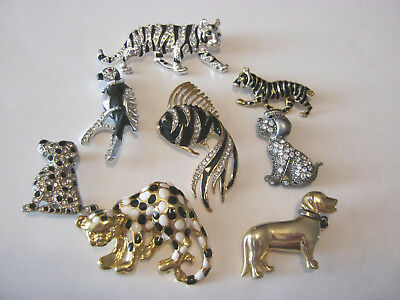 Brooches, small lot of 8 brooches, animals, birds, fish, both gold & silver tone