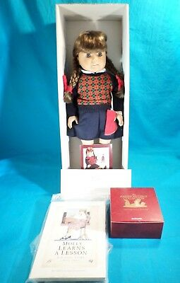"Pre-owned American Girls Collection 18"" Molly McIntire Doll"