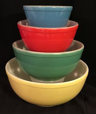 Pyrex PRIMARY *4 PC ROUND MIXING BOWL SET* NO NUMBERS* SET 2*