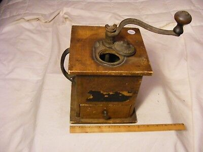 >> Antique Table top Coffee Grinder wood & cast iron , CADE Manufacturing Co.