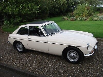 MGB GT, 1967, Wire Wheels, Chrome Bumpers, Overdrive, Webasto Sunroof, OEW