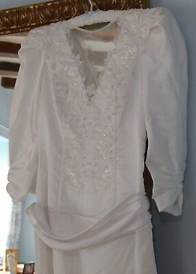 Vintage 1980s  Sally Bee wedding dress with veil and hair accessory