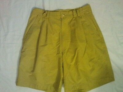 Vintage high waisted mustard yellow Bermuda shorts & front pleats size 6 or 29""