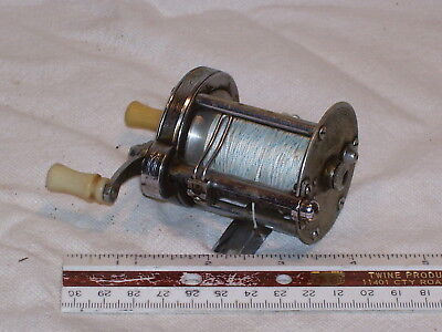 Vintage Fishing Reel  Marked Pflueger Summit no 1993L & Made In USA
