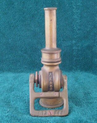 """ANTIQUE PAT. 1930's BRASS AKRON FIRE HOSE NOZZLE FIREFIGHTING COLLECTABLE 7"""" NR"""