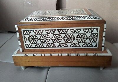 Vintage Inlaid Marquetry Wooden Cigarette Box Dispenser Musical
