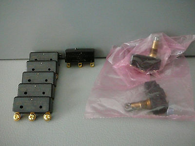 Micro Switch Lot Of 8 5 X Bz-R173-P4 ,2 X Bz-2Rq784 , 1 X Ba-2R708-P7 New Unused