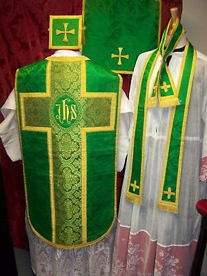 """CHASUBLE VERTE COMPLETE, BRODERIE """"IHS"""" - MESSE / Calice / Prêtre / étole / Aube"""