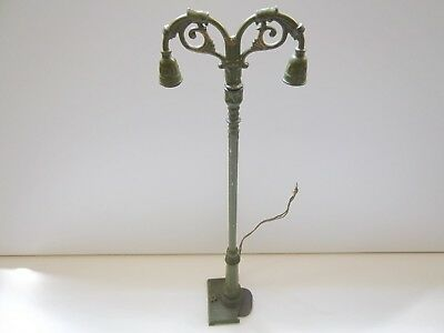 Ives prewar O gauge or Standard gauge double street light