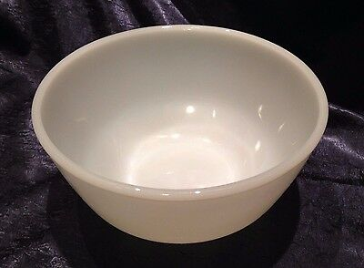 Vintage Anchor-Hocking; Med 7-IN Round O-W M-G Drop-Bottom Nesting Mixing Bowl