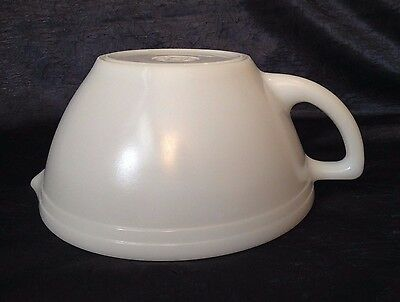 Vintage Federal Glass; Dura-Opal-White Milk-Glass Batter or Mixing-Bowl; 6-Cup