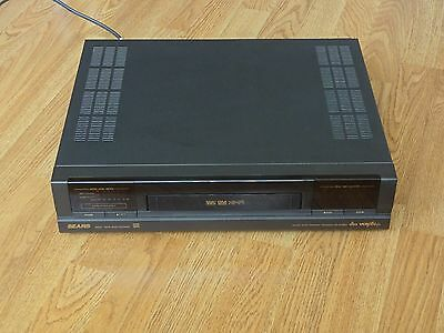 Sears 30532 VHS VCR Player & Recorder with Remote Control