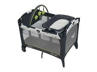 Graco Baby Pack 'N Play Playard Playpen Reversible Napper and Changer, Shine