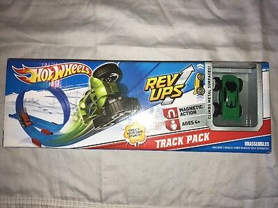 New Hot Wheels 2010 Rev Ups Track Pack Includes Green Car Fast Ship!