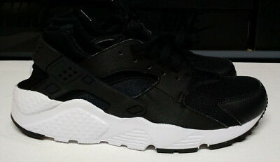 fcf499406e Nike Huarache Run Size 7 Youth 7Y GS Black White Boys Girls Shoe 654275-011