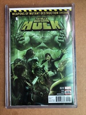 TOTALLY AWESOME HULK #22 (2017) 1st Print VF/NM 1st App Of Weapon H Toploader