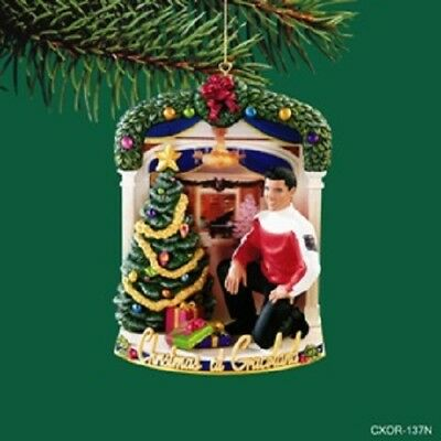 Elvis Carlton Cards Musical Ornament At Home With Elvis 2005 1st in Series NEW