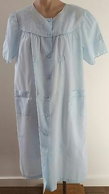 Vintage 1980s Lady Lyn LIGHT BLUE Floral Embroidered Dressing Gown Robe size 16