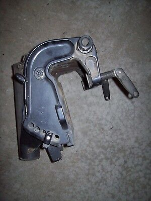 20 25 30 hp Johnson Evinrude OMC Outboard Mid Swivel Section Transom Brackets